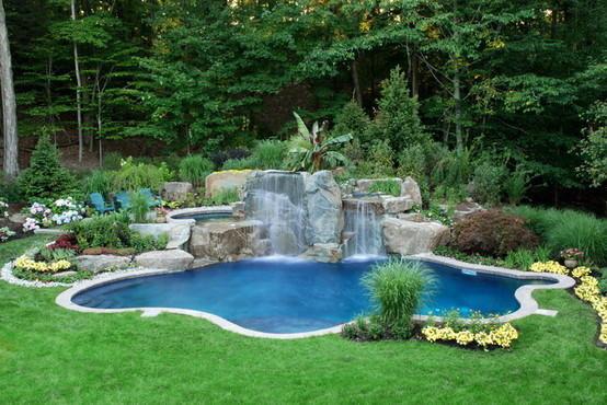 Бассейн считается роскошью. Его можно соорудить своими руками как на улице, так и в помещении, главное руководствоваться инструкции создания.