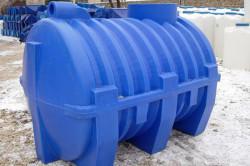 Пластиковый септик – полностью автномное устройство, изготовленное на предприятиях и готовое к использованию.