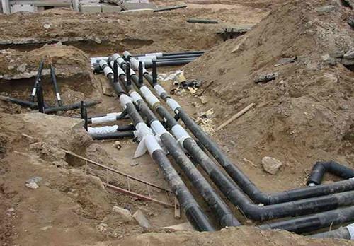 С помощью канализационной сети сточнфе воды доставляются к месту очистки.