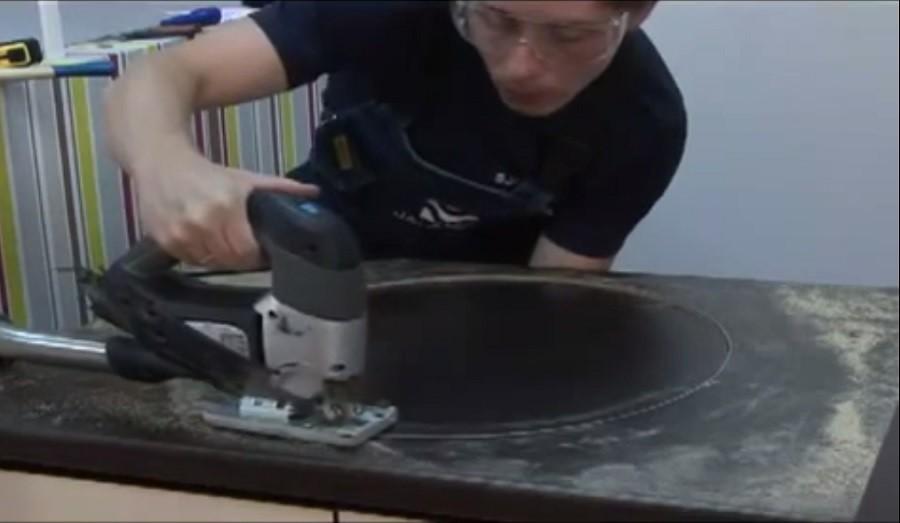 Как установить мойку на кухне своими руками (видео-инструкция)