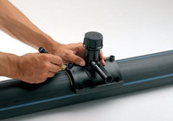 Очистка поверхности соединяемых труб.
