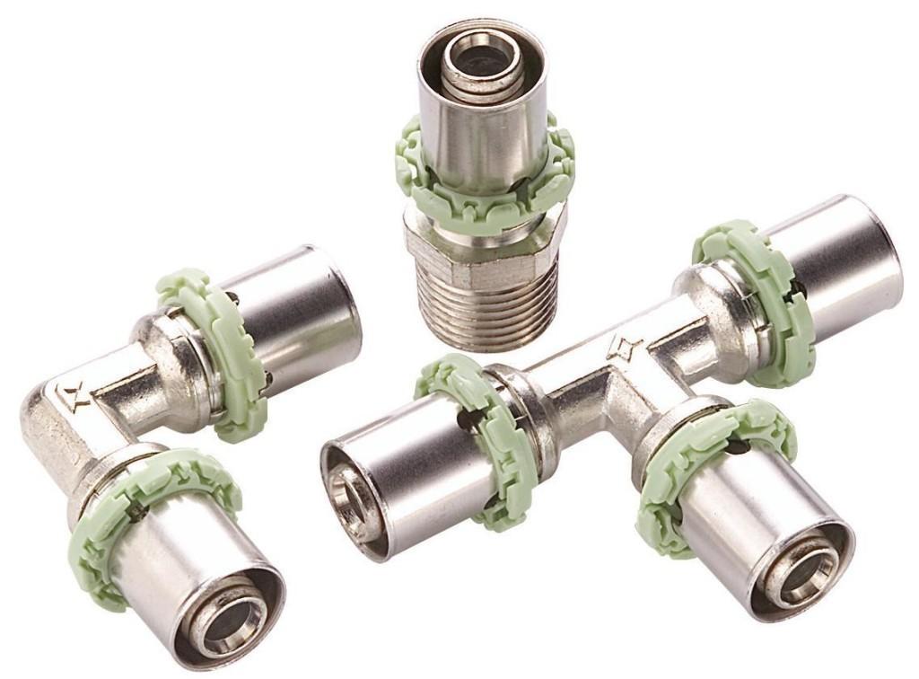 Для соединения металлопластиковых труб используются фитинги.
