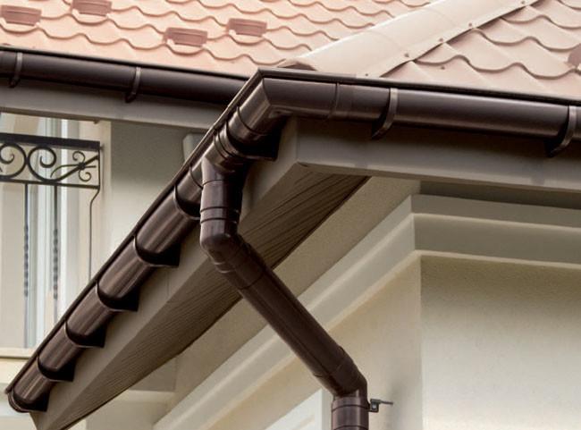 Для того, чтобы защитить Ваш дом от дождевых и талых вод, необходимо установить водосточную систему.