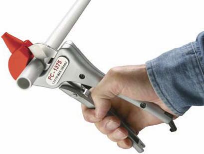 Выбирая труборез обратите внимание на его характеристику и на материалы, которые можно с помощью его резать.