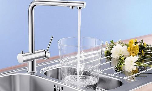Кухонный водопроводный кран